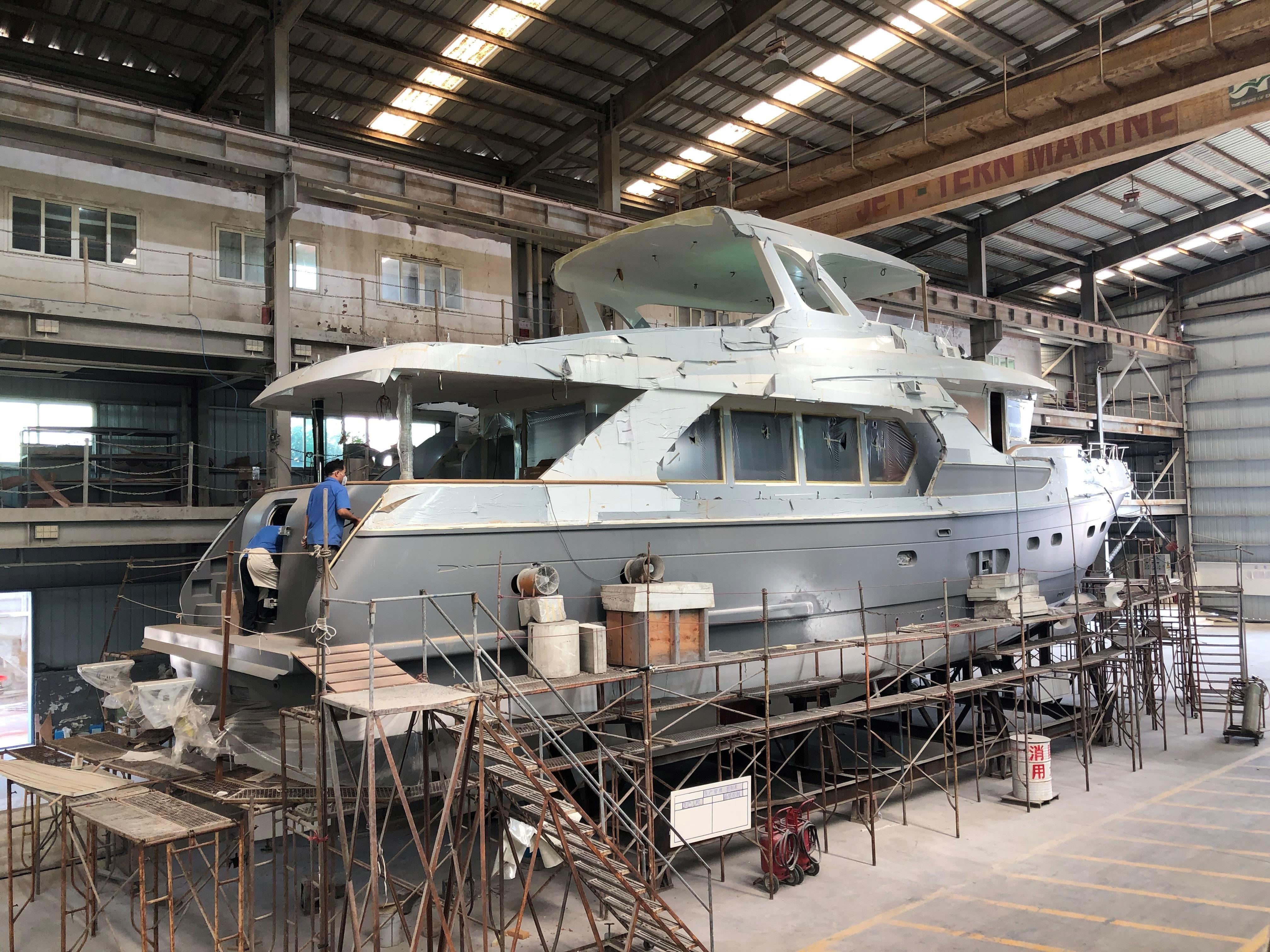 Selene 72 au chantier naval - Trawlers & Yachting